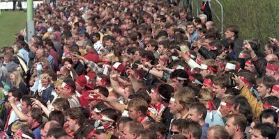 Er stonden 2000 toeschouwers langs de lijn in 1997 bij ONS-Harkemase Boys. FOTO CATRINUS VAN DER VEEN