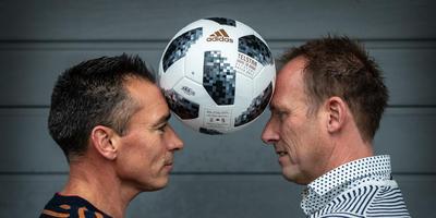 Dick Schuurman (links) en Klaas de Jong, trainers van VVI en SC Joure en tevens vrienden, staan morgen in Joure tegenover elkaar. FOTO NIELS DE VRIES