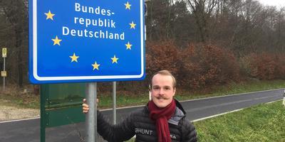 Gosse van der Meer in zijn woonplaats Kranenburg, net over de grens. FOTO LC