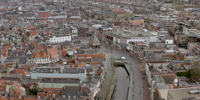 De stilte van de stad Leeuwarden van boven vastgelegd. FOTO LC/ARODI BUITENWERF