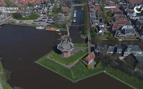 Bekijk hier de zesde dronevlucht van Fryslân fan Boppen: de elfstedenroute van Dongjum tot Aldtsjerk